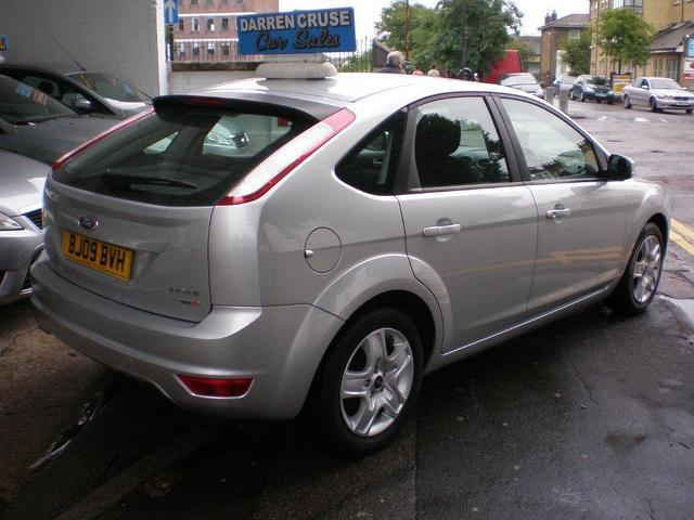 Ford Focus 1.6 2009 photo - 8