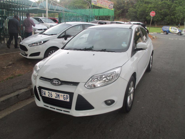 Ford Focus 1.6 2012 photo - 11