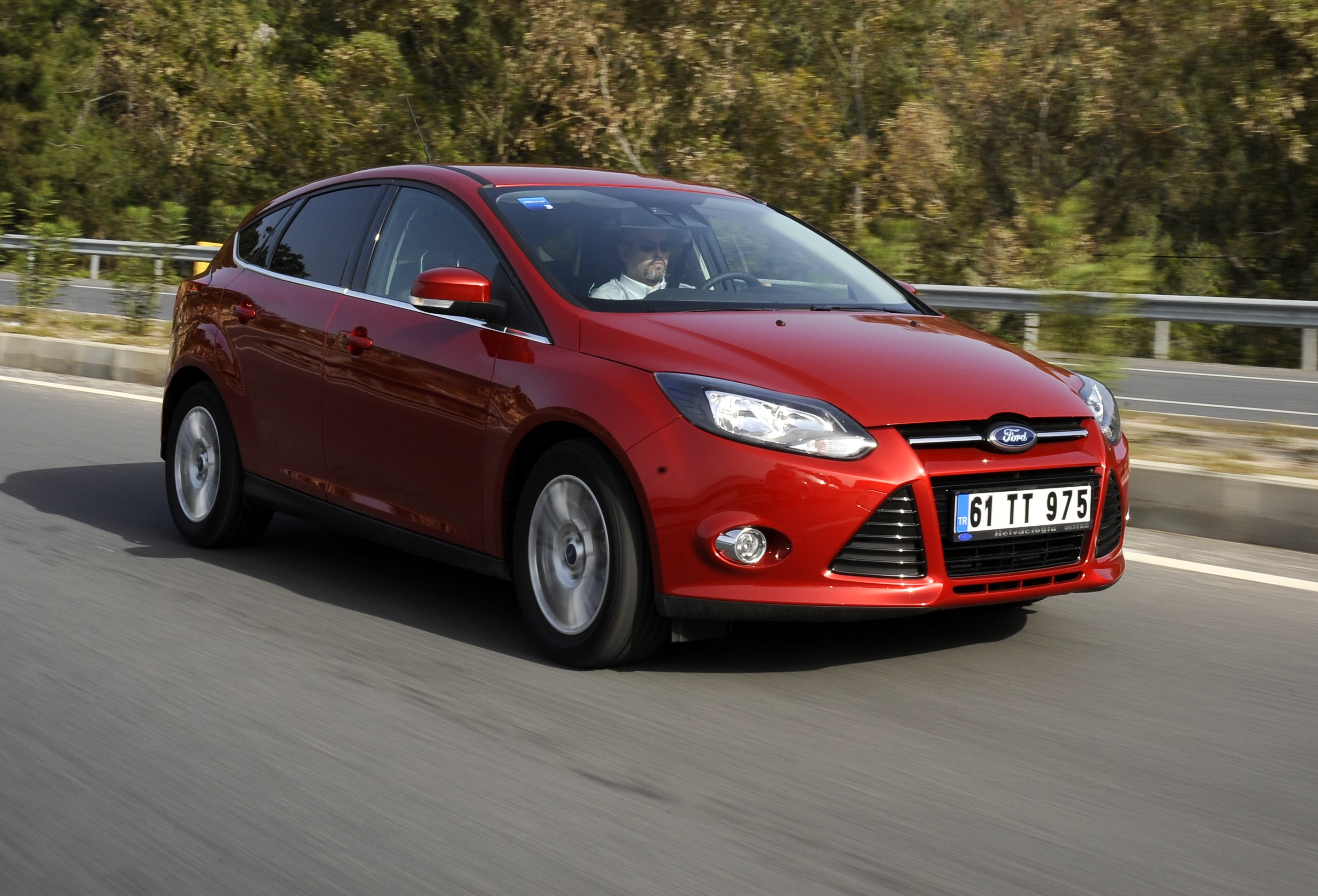 Ford Focus 1.6 2012 photo - 5