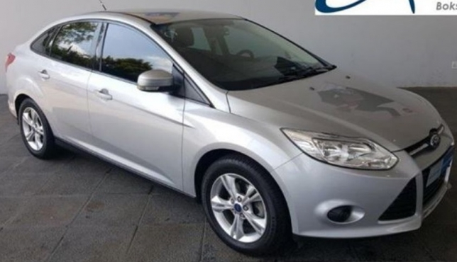 Ford Focus 1.6 2012 photo - 8