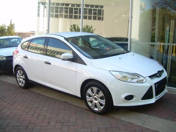 Ford Focus 1.6 2013 photo - 5