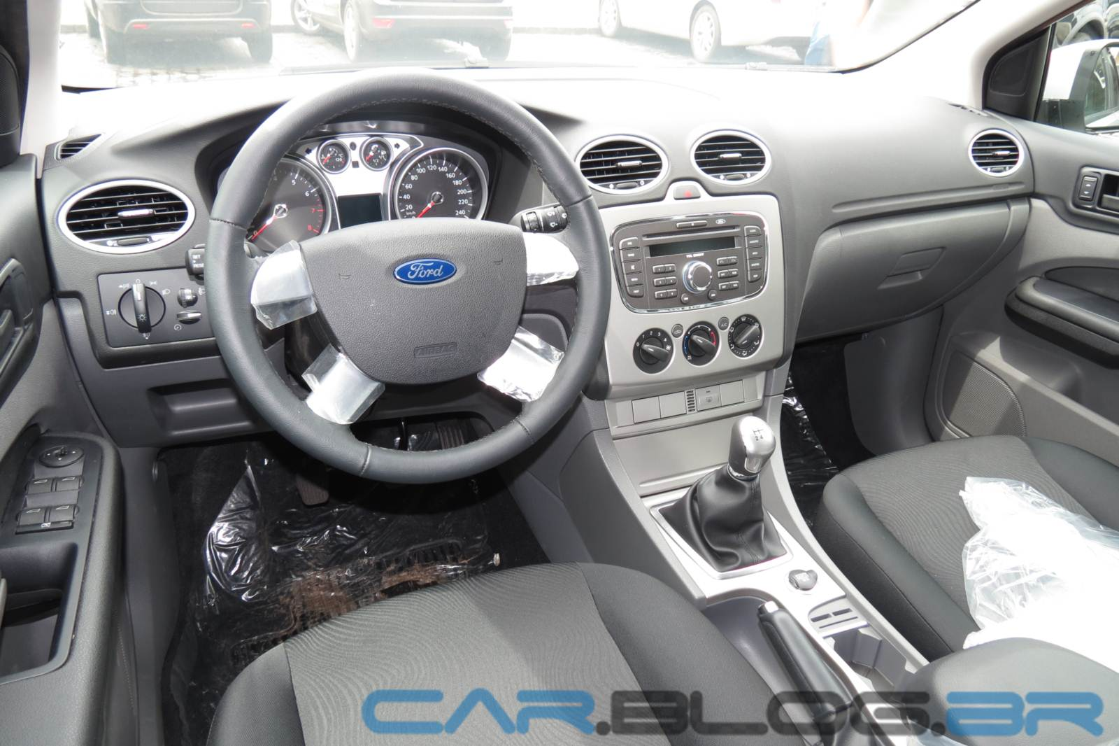Ford Focus 1.6 2013 photo - 9
