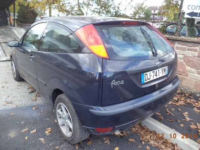 Ford Focus 1.8 1998 photo - 10