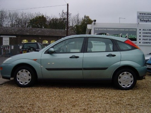 Ford Focus 1.8 1998 photo - 5