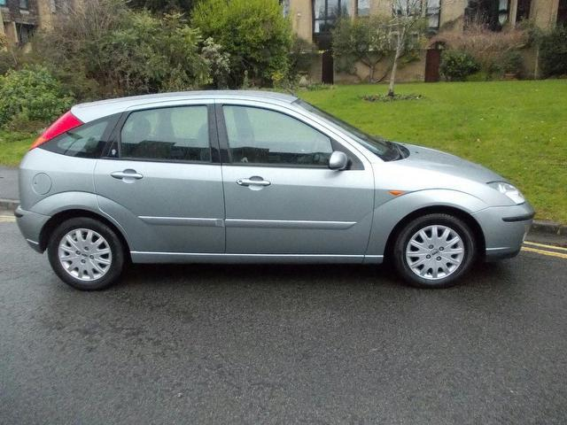 Ford Focus 1.8 2003 photo - 2