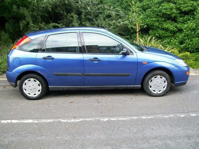 Ford Focus 1.8 2003 photo - 3