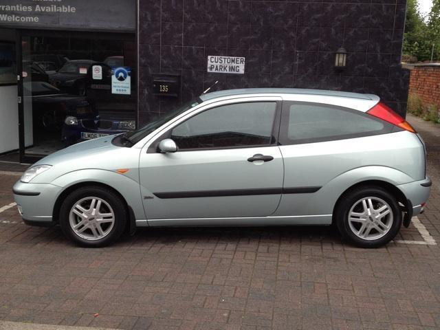 Ford Focus 1.8 2004 photo - 1