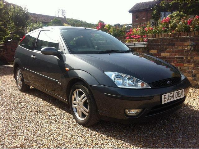 Ford Focus 1.8 2004 photo - 2