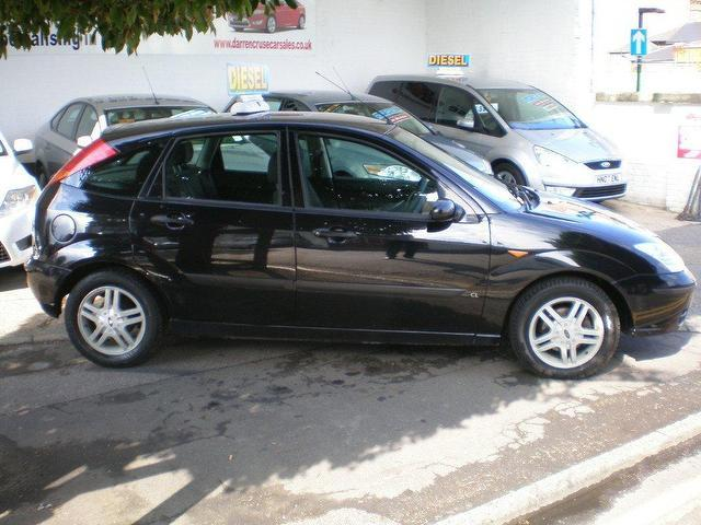 Ford Focus 1.8 2004 photo - 3