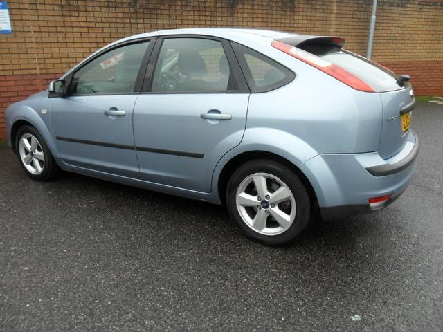 Ford Focus 1.8 2005 photo - 11