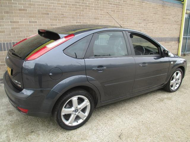 Ford Focus 1.8 2007 photo - 3