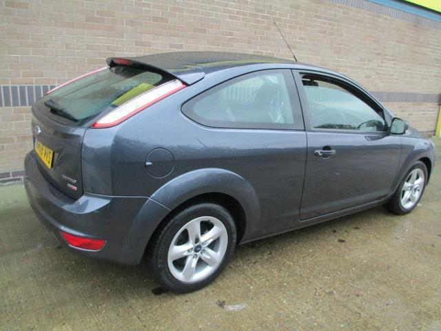 Ford Focus 1.8 2008 photo - 10