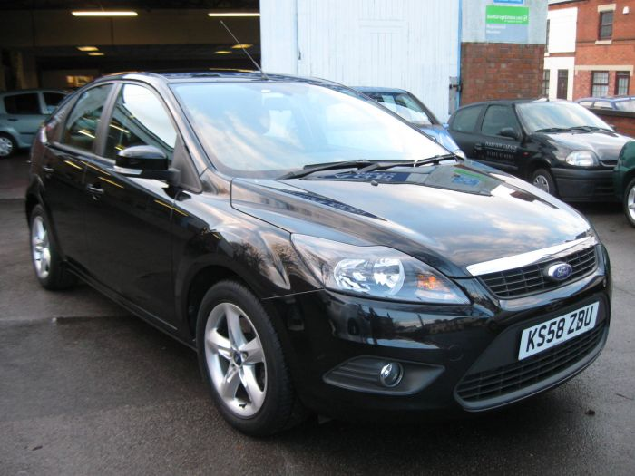 Ford Focus 1.8 2009 photo - 12