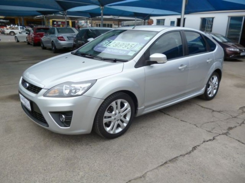 Ford Focus 1.8 2010 photo - 1