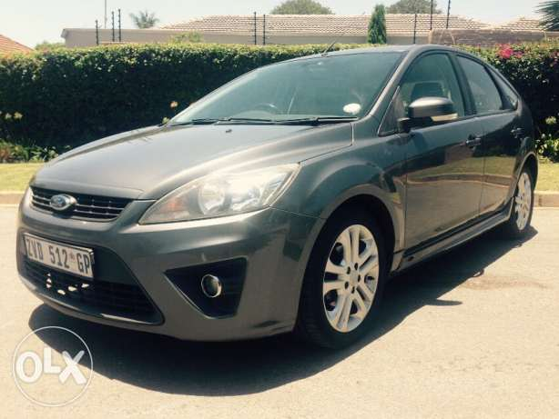 Ford Focus 1.8 2010 photo - 11