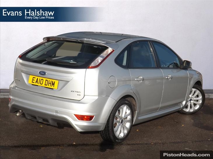 Ford Focus 1.8 2010 photo - 4