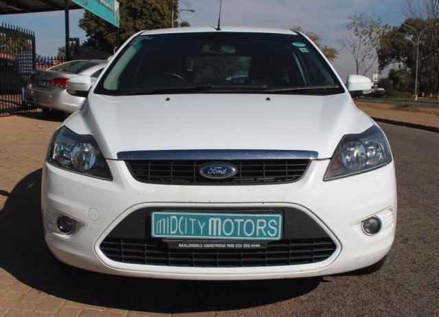 Ford Focus 1.8 2010 photo - 5