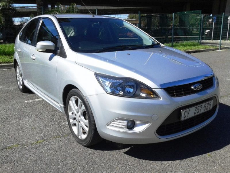 Ford Focus 1.8 2010 photo - 9
