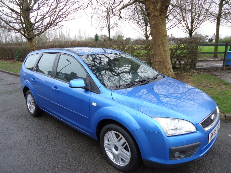 Ford Focus 2.0 1997 photo - 8