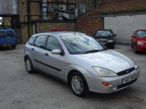 Ford Focus 2.0 1999 photo - 1