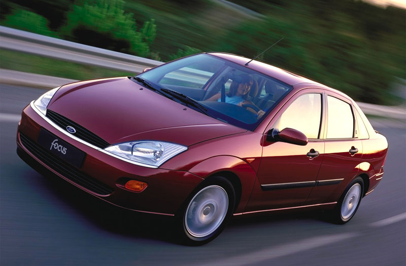 Ford Focus 2.0 1999 photo - 11