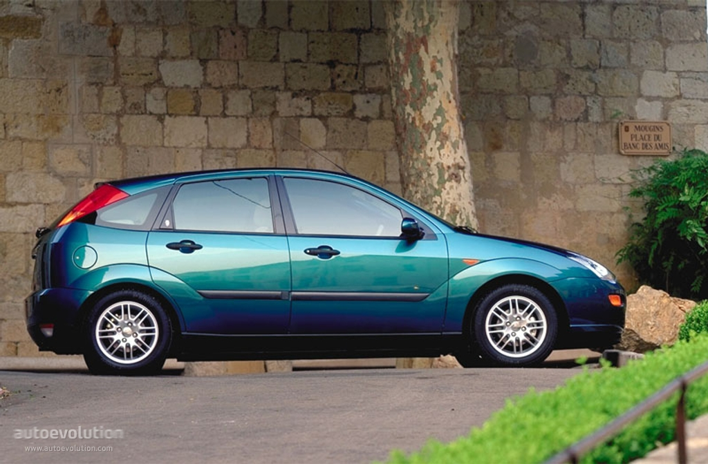 Ford Focus 2.0 1999 photo - 2