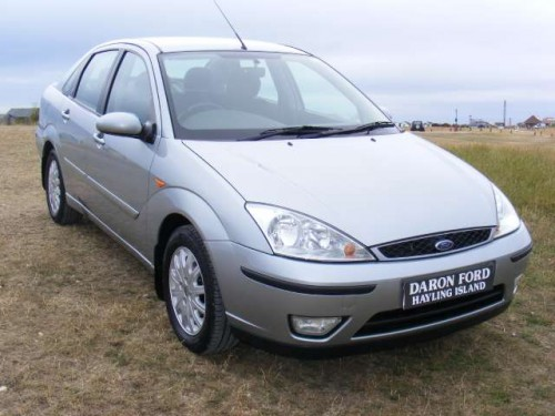 Ford Focus 2.0 2003 photo - 9
