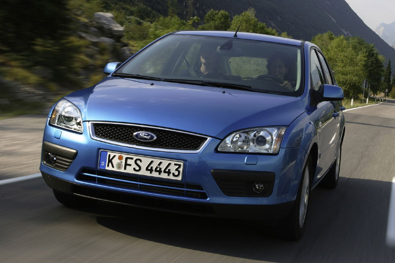 Ford Focus 2.0 2004 photo - 3