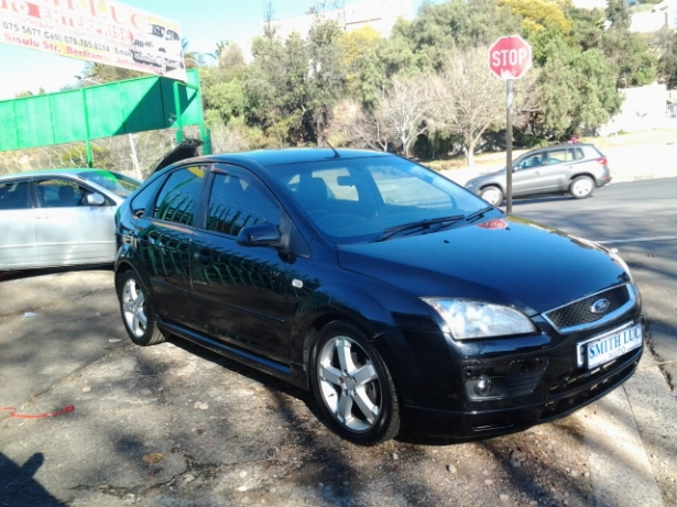 Ford Focus 2.0 2007 photo - 7