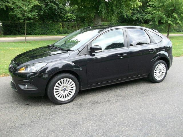 Ford Focus 2.0 2008 photo - 12
