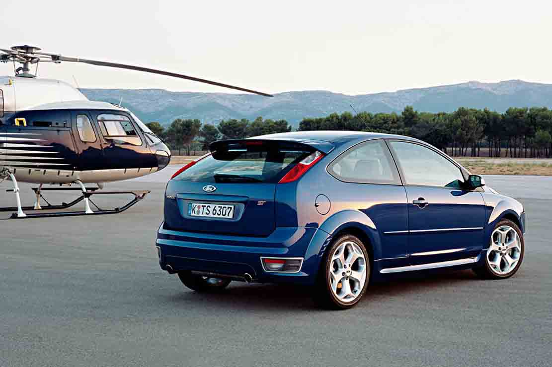 Ford Focus 2.0 2008 photo - 3