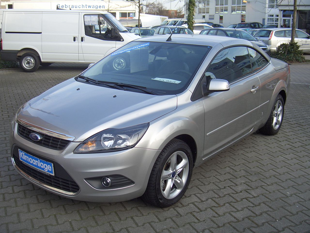 Ford Focus 2.0 2010 photo - 2