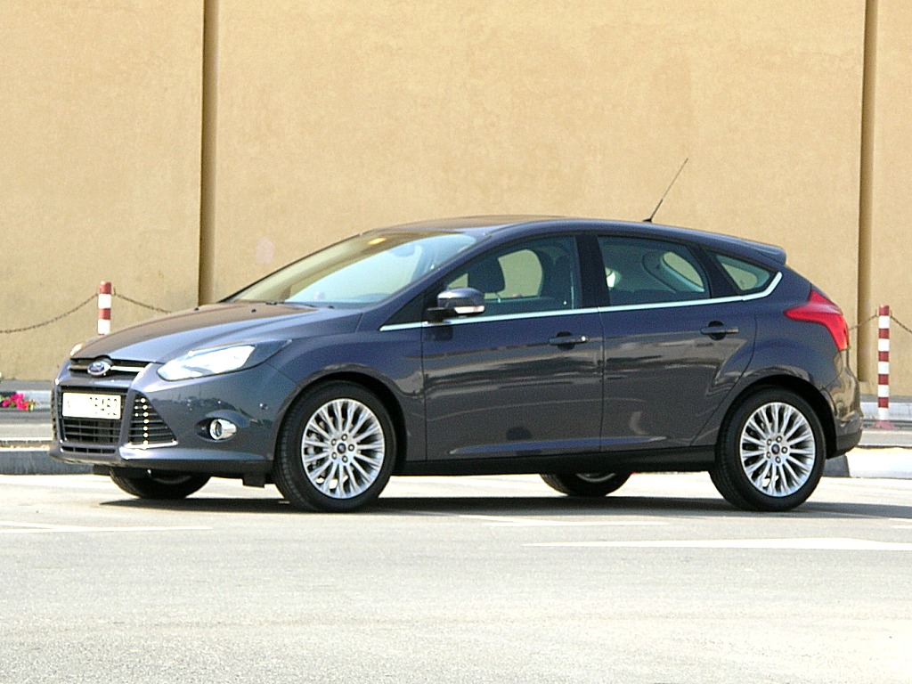 Ford Focus 2.0 2012 photo - 5