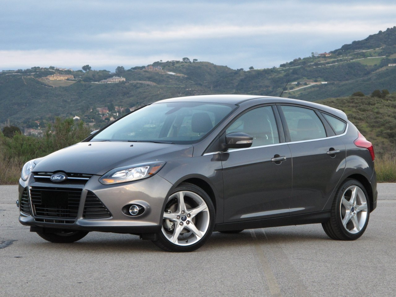 Ford Focus 2.0 2012 photo - 6