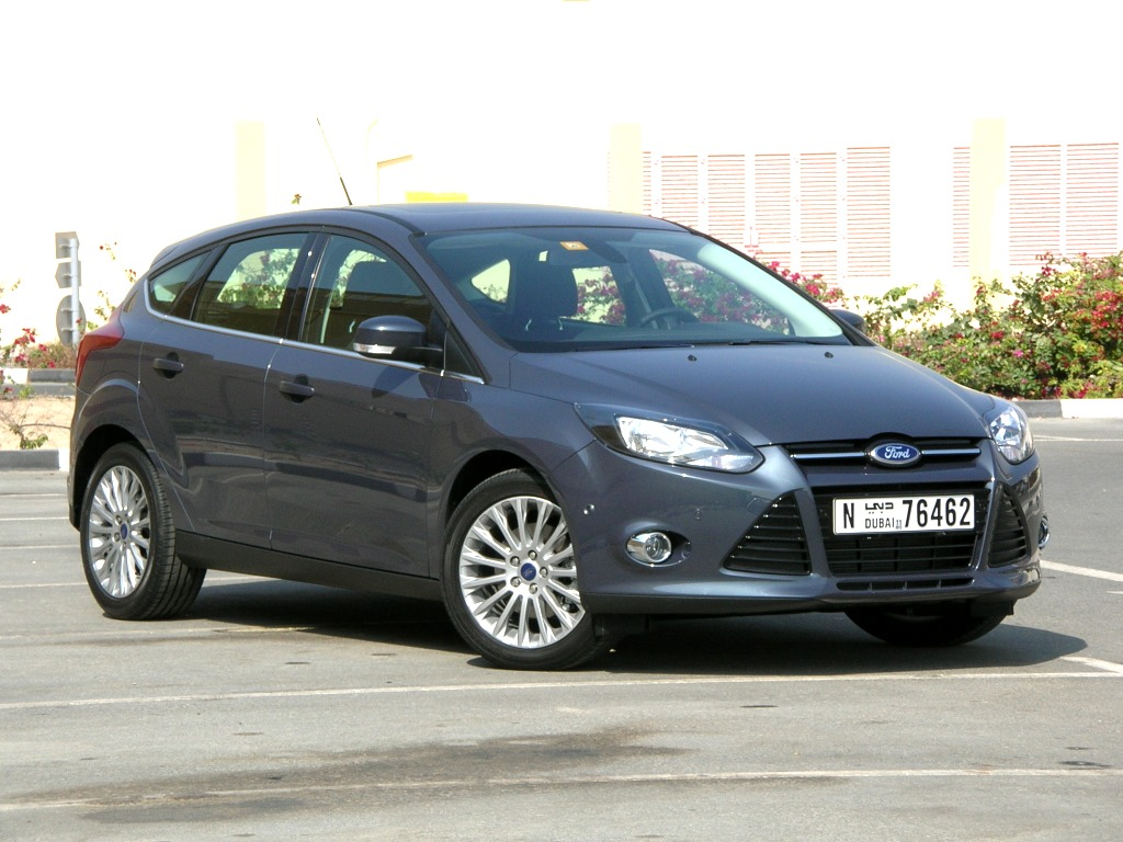 Ford Focus 2.0 2012 photo - 7