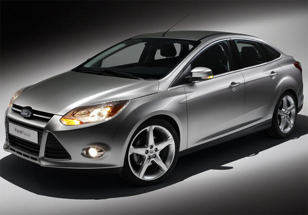 Ford Focus 2.0 2012 photo - 9