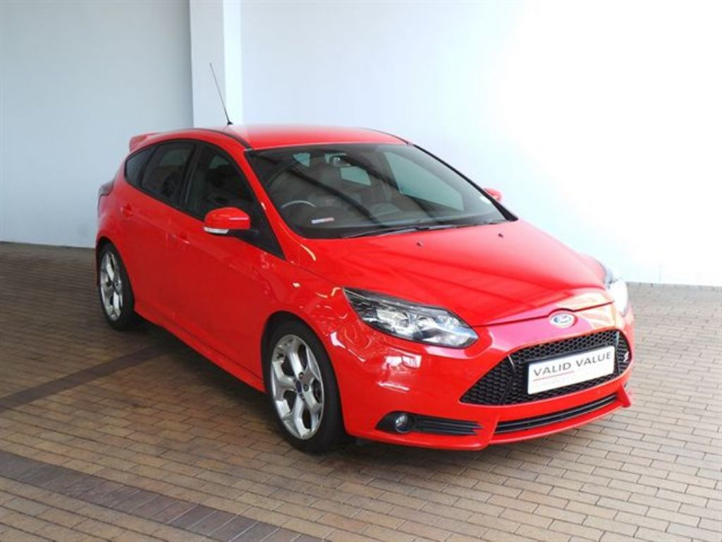 Ford Focus 2.0 2013 photo - 5
