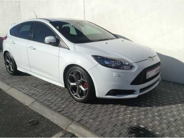 Ford Focus 2.0 2013 photo - 6