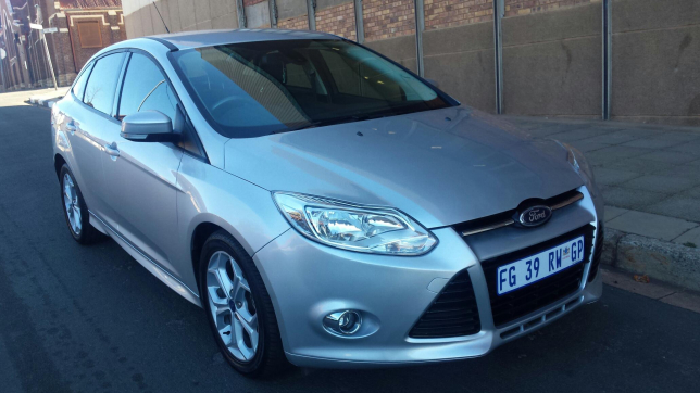 Ford Focus 2.0 2013 photo - 9