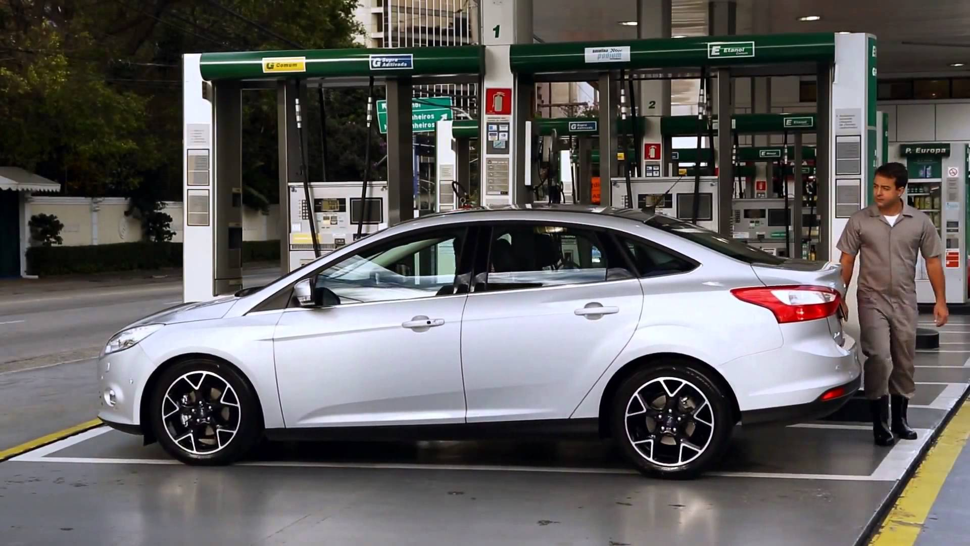 Ford Focus 2 0 2014 Technical Specifications Interior And Exterior Photo