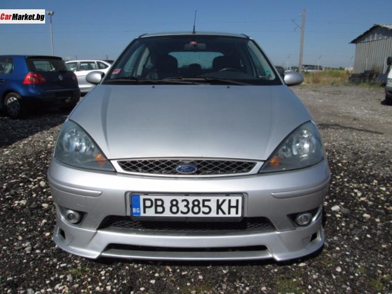 Ford Focus 2.0i 2003 photo - 1