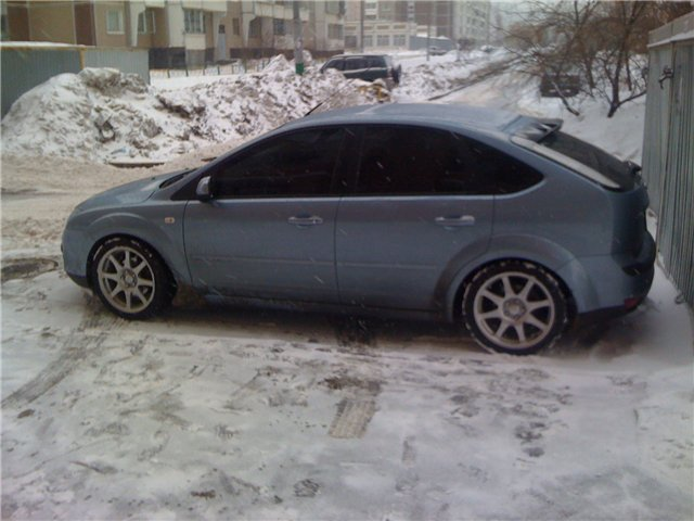 Ford Focus 2.0i 2004 photo - 11