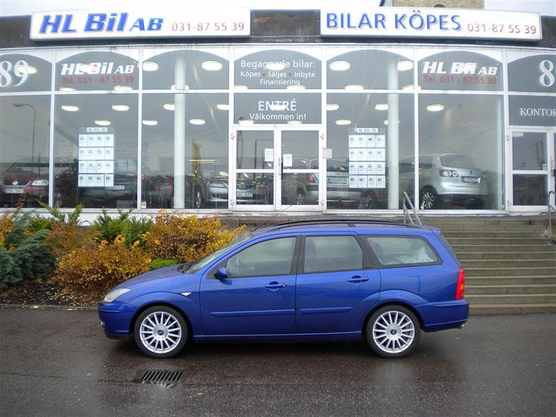Ford Focus 2.0i 2004 photo - 4