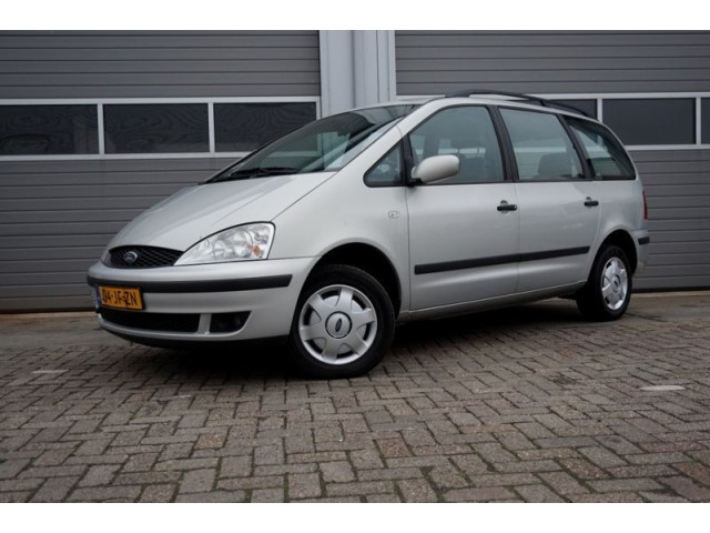 Ford Focus 2.3i 2002 photo - 7