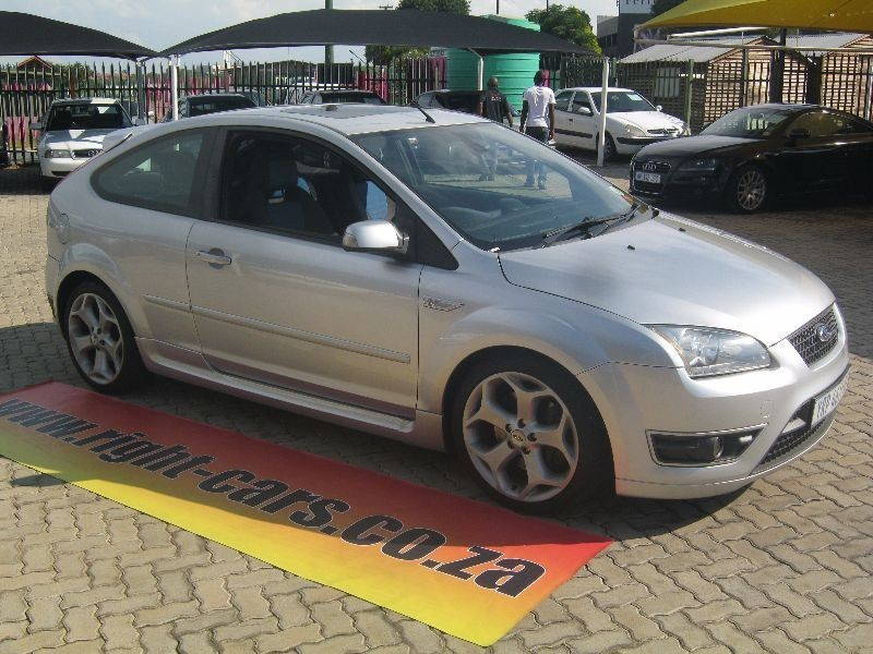 Ford Focus 2.5 2006 photo - 2