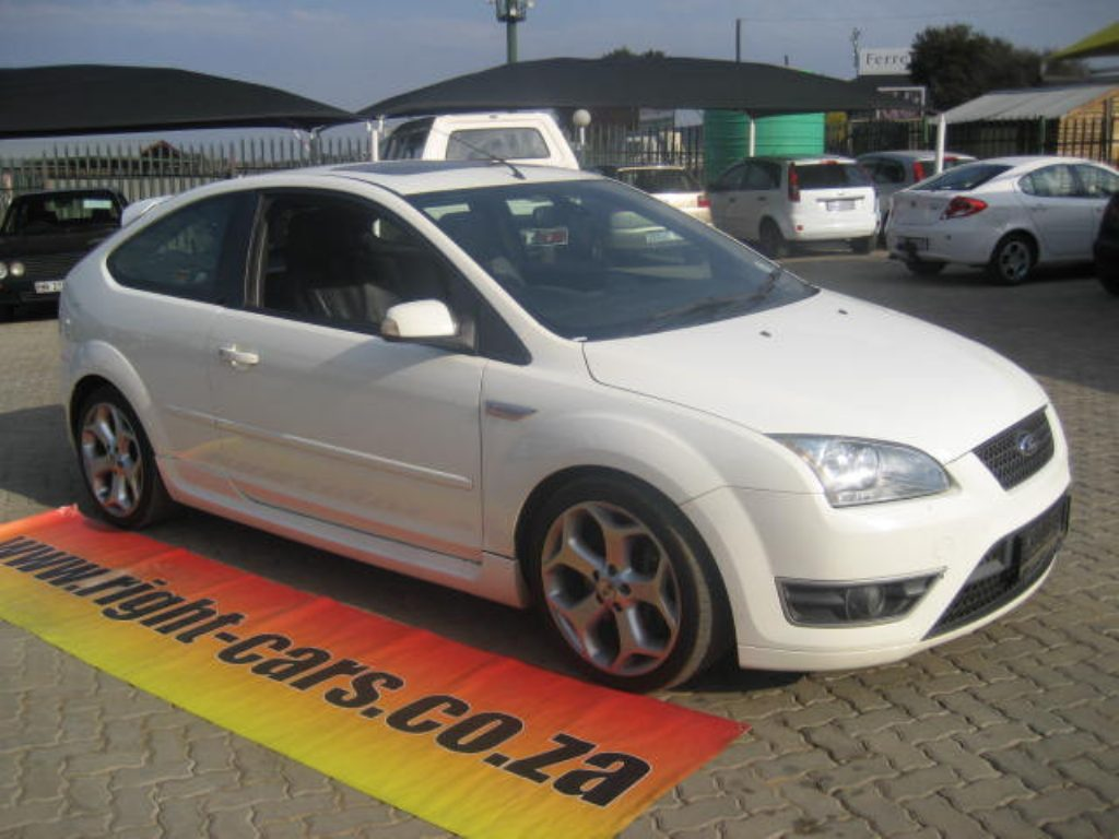 Ford Focus 2.5 2006 photo - 4