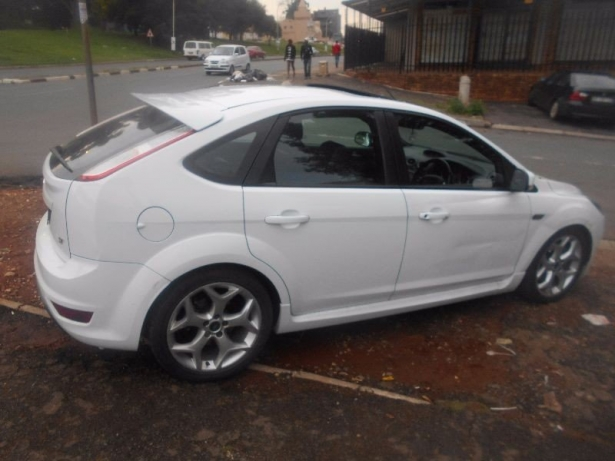 Ford Focus 2.5 2006 photo - 5