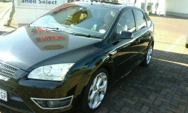 Ford Focus 2.5 2006 photo - 6