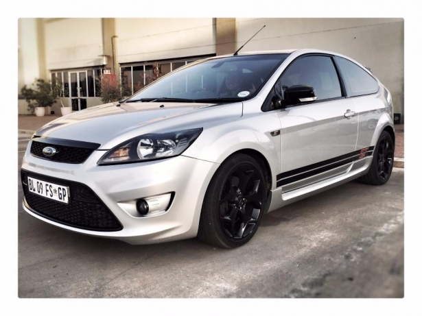 Ford Focus 2.5 2011 photo - 9