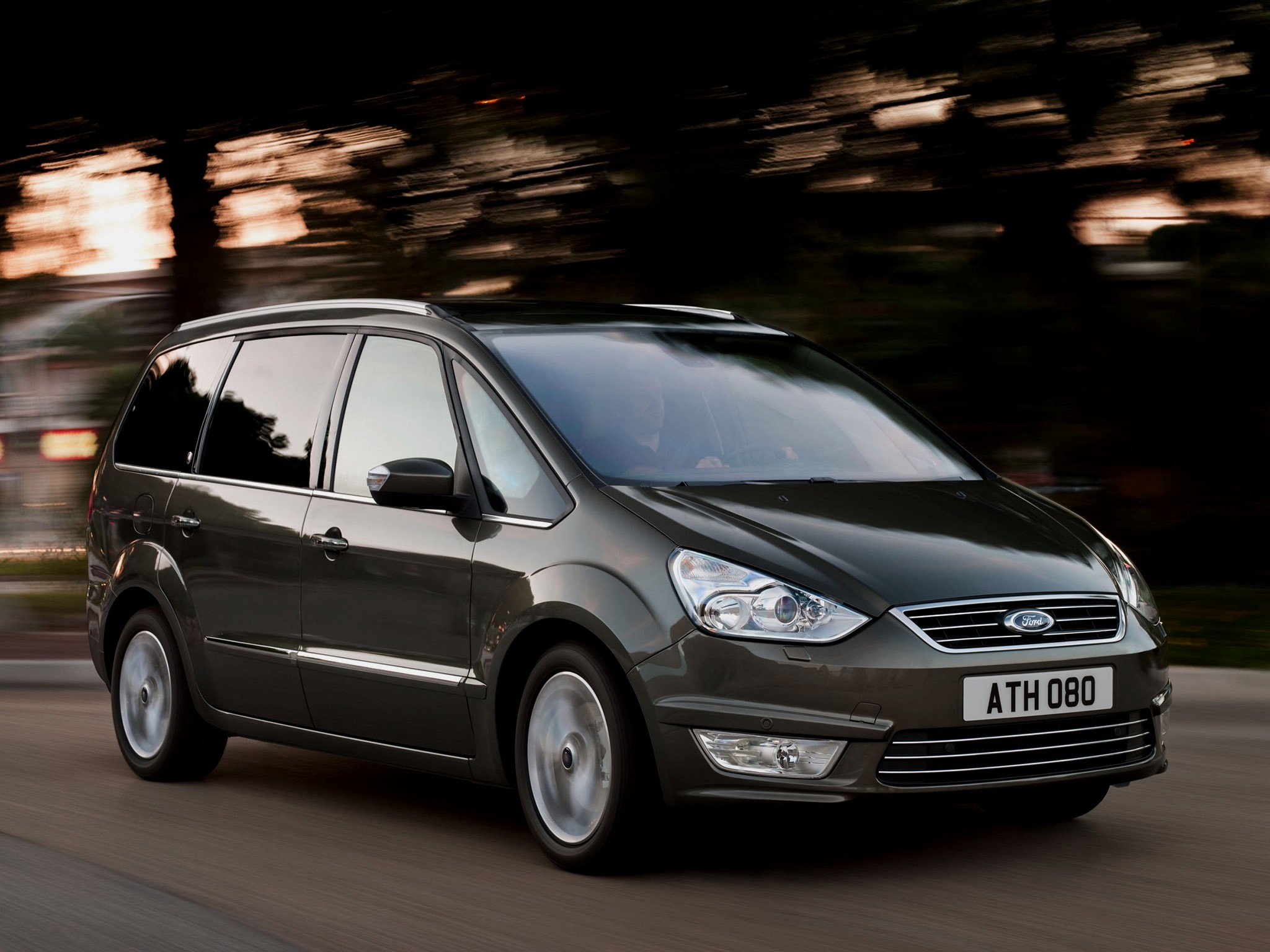 Ford Galaxy 1.8 2009 photo - 4